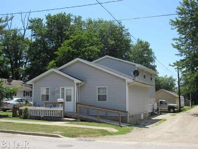 Clinton IL Single Family Home For Sale: $75,000