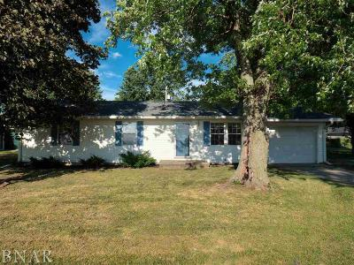 Wapella Single Family Home For Sale: 102 Valerie Lane