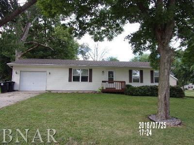 Normal Single Family Home For Sale: 206 E Irving
