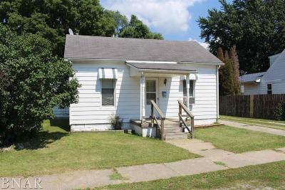Clinton IL Single Family Home For Sale: $42,900