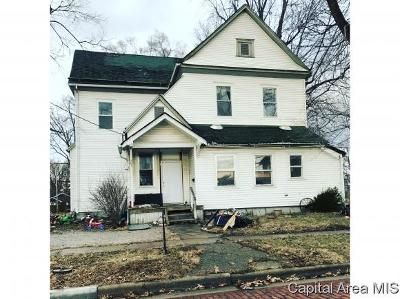 Taylorville IL Single Family Home For Sale: $16,500