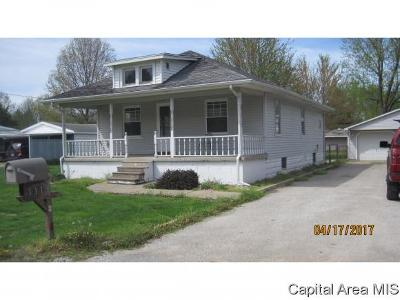 Taylorville IL Single Family Home For Sale: $63,900