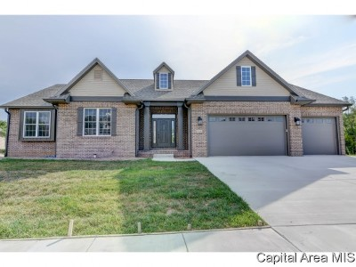 Springfield Single Family Home For Sale: 6216 Winterberry