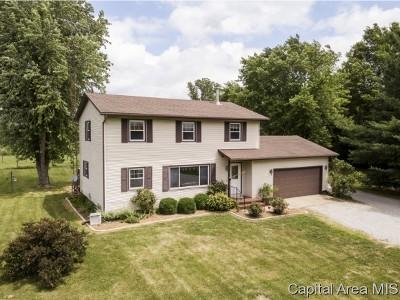 Rochester Single Family Home For Sale: 11051 Mallard Dr