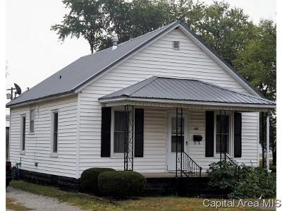 Virden Single Family Home For Sale: 226 S Dye St
