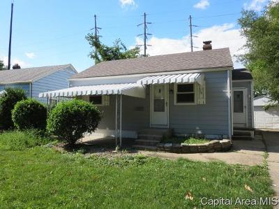 Springfield Single Family Home For Sale: 17 Ruth Ct
