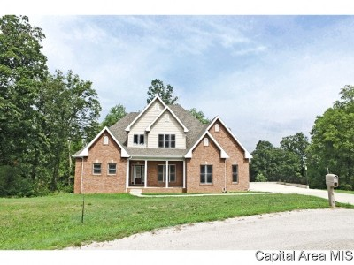 Elkhart Single Family Home For Sale: 11 Governors Dr
