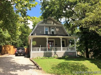Petersburg Single Family Home For Sale: 211 W Sangamon Ave