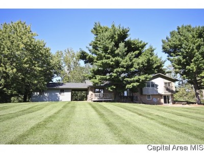 Rochester Single Family Home For Sale: 6813 Rentshler Rd