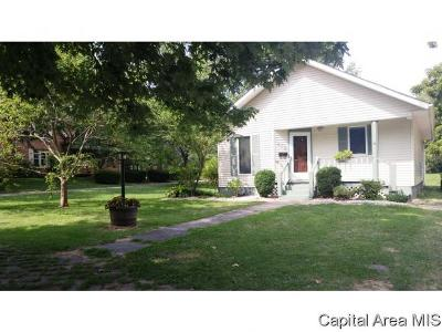 Carlinville Single Family Home For Sale: 408 College Avenue