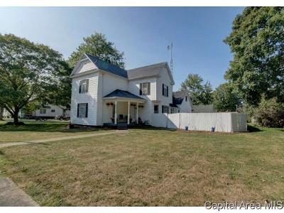 New Berlin Single Family Home For Sale: 104 W Gibson St
