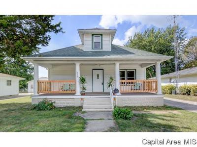 Chatham Single Family Home For Sale: 203 S Oak St