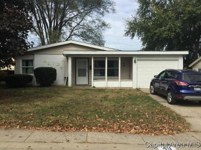 Springfield Single Family Home For Sale: 49 Nottingham Rd