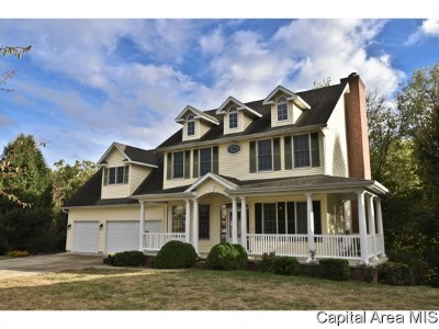 Springfield Single Family Home For Sale: 2704 Newcastle Court