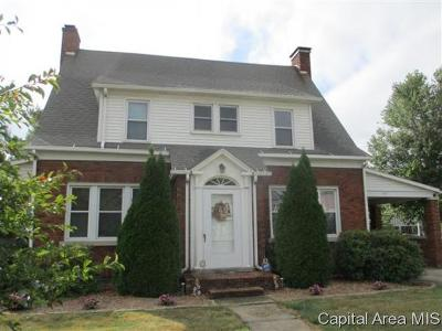 Winchester Single Family Home For Sale: 319 N Main St