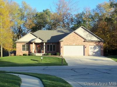 Springfield Single Family Home For Sale: 620 Poinsettia Place