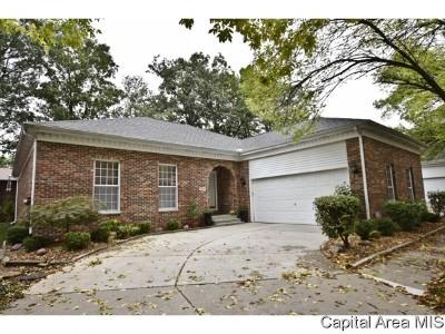 Springfield Single Family Home For Sale: 105 Timberridge