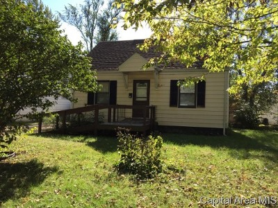 Springfield Single Family Home For Sale: 73 Ruth Ct