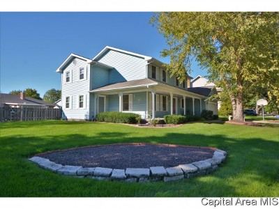 Springfield Single Family Home For Sale: 1717 Bent Oak Dr