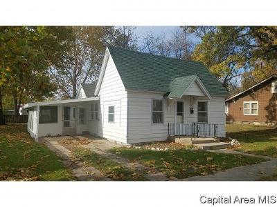 Virden Single Family Home For Sale: 327 N Dye St