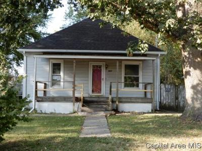 Taylorville Single Family Home For Sale: 1217 W Rich St