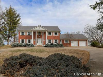 Springfield Single Family Home For Sale: 45 Forest Rdg