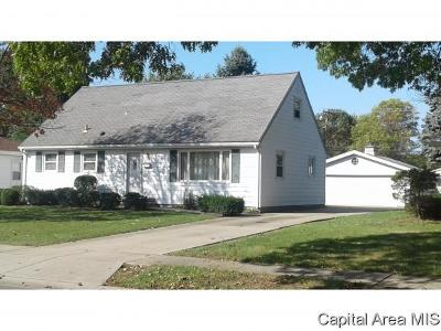 Springfield Single Family Home For Sale: 2117 Blackhawk Rd