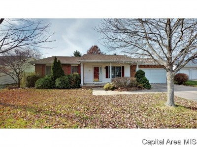 Sherman IL Single Family Home For Sale: $185,500