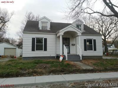 Taylorville Single Family Home For Sale: 315 N Cherokee St