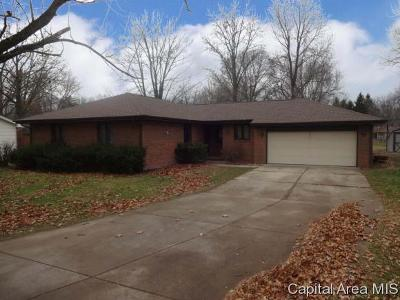 Rochester Single Family Home For Sale: 13 Mishawaka Dr