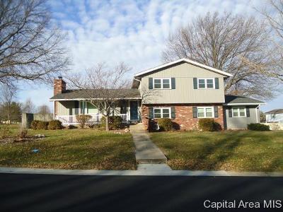 Springfield Single Family Home For Sale: 30 Greencastle Cir