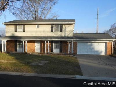 Springfield Single Family Home For Sale: 61 Greencastle