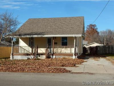 Taylorville Single Family Home For Sale: 921 W Adams St