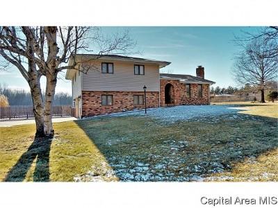 Virden Single Family Home For Sale: 18585 Timber Ln