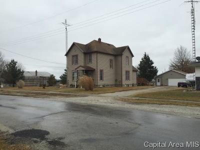 Morrisonville IL Single Family Home For Sale: $139,900