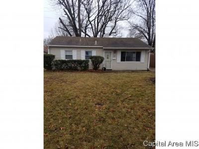 Springfield Single Family Home For Sale: 2406 Wilshire Rd