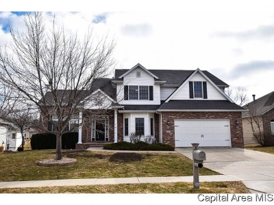 Springfield Single Family Home For Sale: 6420 Winterberry Ln