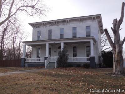 Jacksonville IL Single Family Home For Sale: $75,000