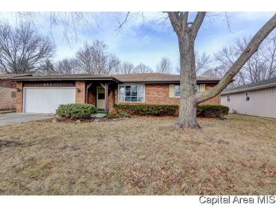 Chatham Single Family Home Pending Continue to Show: 631 White Oak Dr.