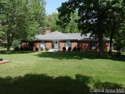 Jacksonville IL Single Family Home For Sale: $269,000