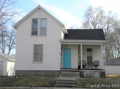Jacksonville IL Single Family Home For Sale: $64,900