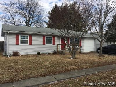Jacksonville IL Single Family Home For Sale: $89,000