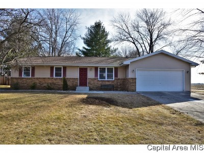 Sherman IL Single Family Home For Sale: $169,900