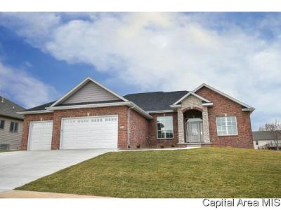 Springfield Single Family Home For Sale: 4135 Newbury Dr