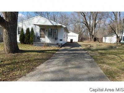 Pawnee Single Family Home For Sale: 911 Monroe St