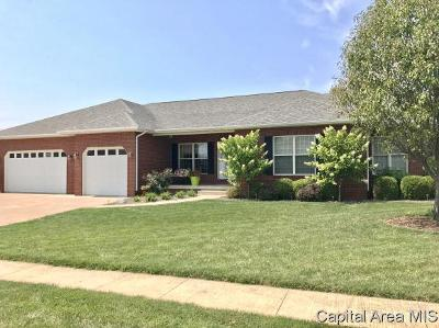 Jacksonville IL Single Family Home For Sale: $279,900