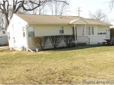 Jacksonville IL Single Family Home For Sale: $88,500