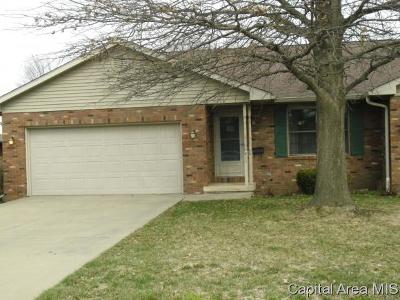 Jacksonville IL Single Family Home For Sale: $149,900