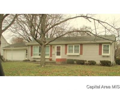 Jacksonville IL Single Family Home For Sale: $89,900