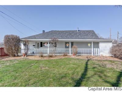 Auburn Single Family Home For Sale: 160 E Van Buren St